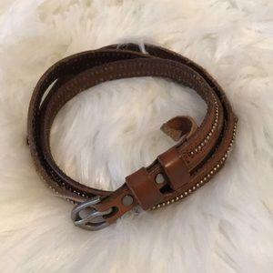 H o l l i s t e r • Studded leather belt